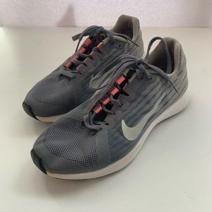 Nike Girls Size 3.5Y Sneakers Grey Lace Up